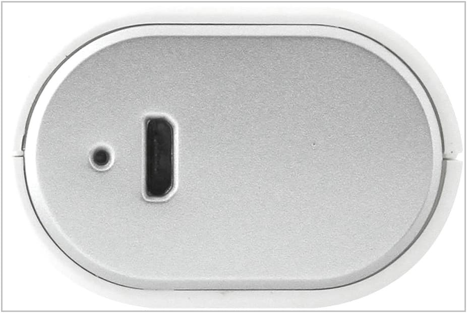 zaryadnoe-ustroistvo-c-akkumulyatorom-dlya-amazon-kindle-paperwhite-gigabyte-power-bank-rf-g30a-3.jpg